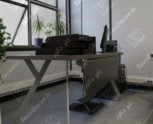 میز اداری با طراحی خاص